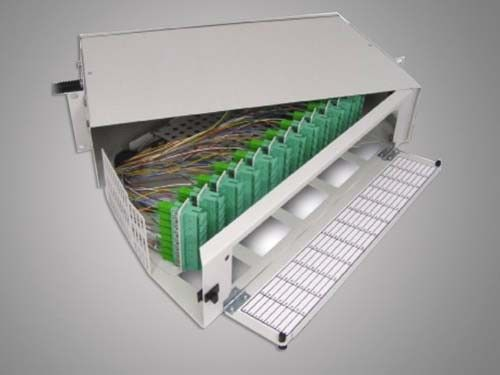 96 Cores SC-APC Fiber Optic Terminal Box Rack Mounting تامین کننده